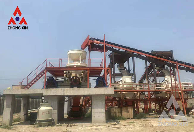 What are the ways to reduce the wear of the sand making machine?
