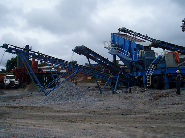 Stone production line PK mobile crushing plant