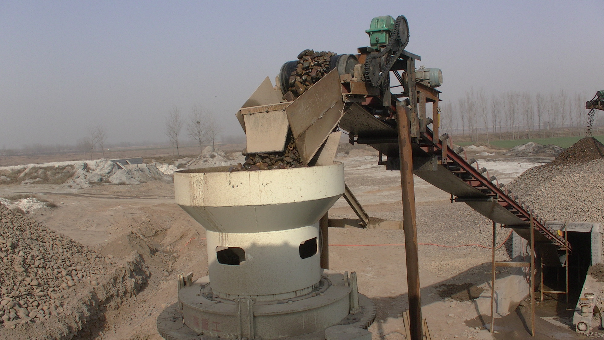 Which crusher to choose for sand production line?